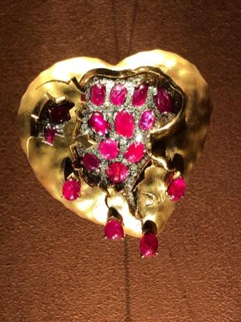 Dalí designed jewellery