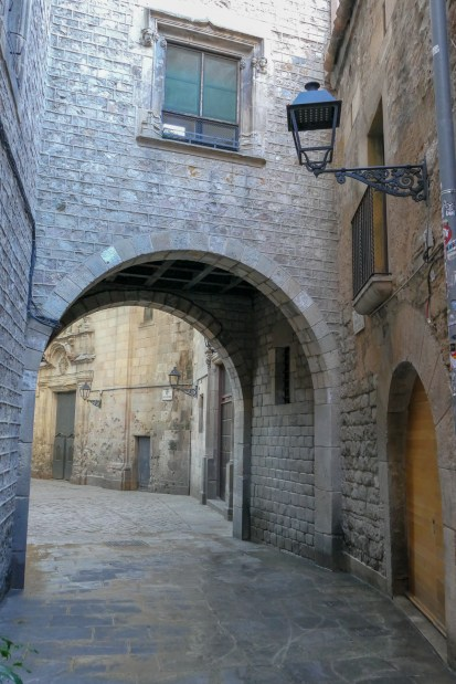 Exploring the alleyways of Barri Gòtic