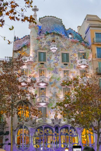 Casa Batllo - colourful facade