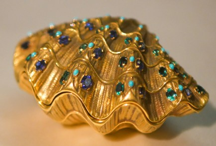 Shell Box, 1958, emeralds, sapphires, turquoise, 18 carat gold