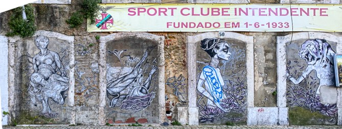 One of the buildings on Largo do Intendente that hasn't yet been renovated, now features a piece by Tamara Alves, one of the best-known female Portuguese artists in the street art world.