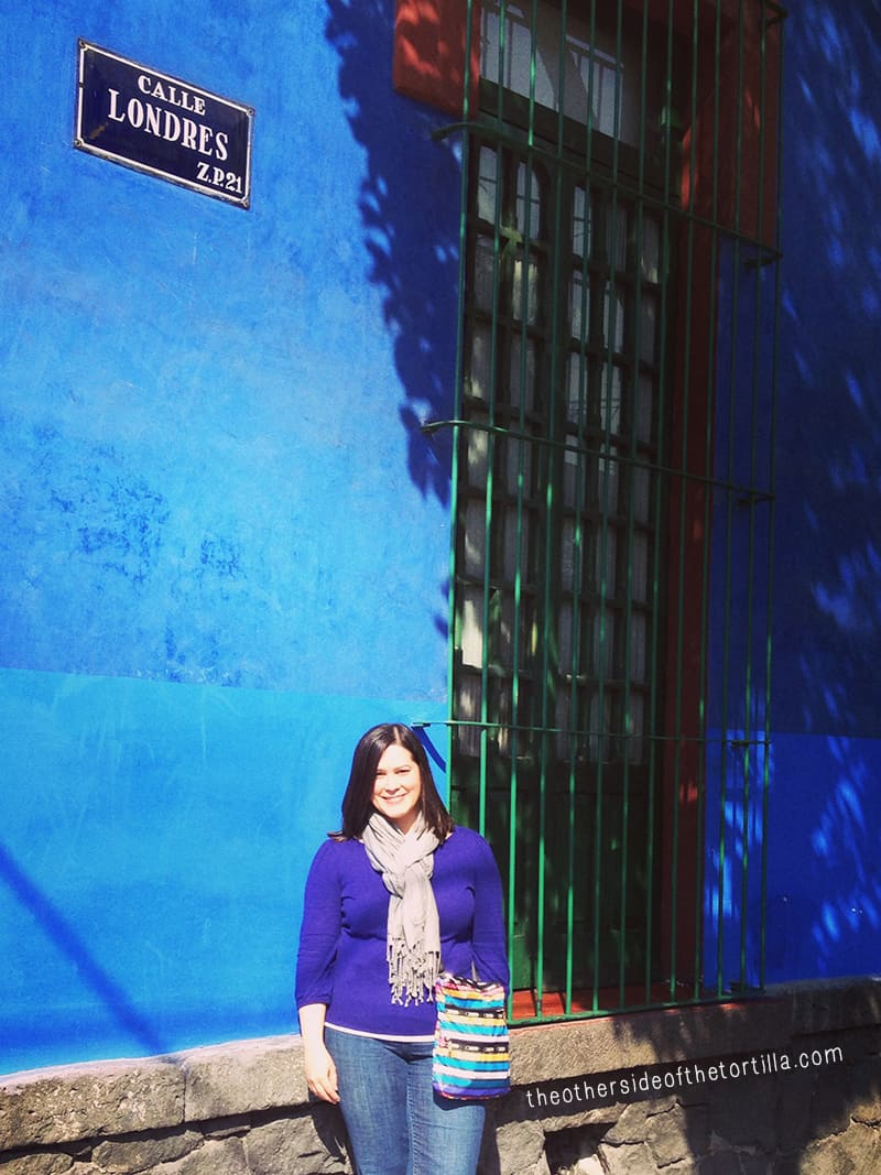Maura Wall Hernandez of theothersideofthetortilla.com in front of Museo Frida Kahlo, La Casa Azul in Mexico City