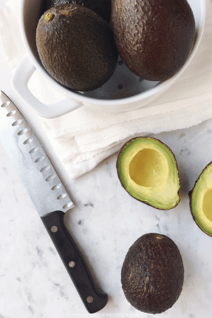 A guide to picking perfectly ripe avocados every time, via theothersideofthetortilla.com