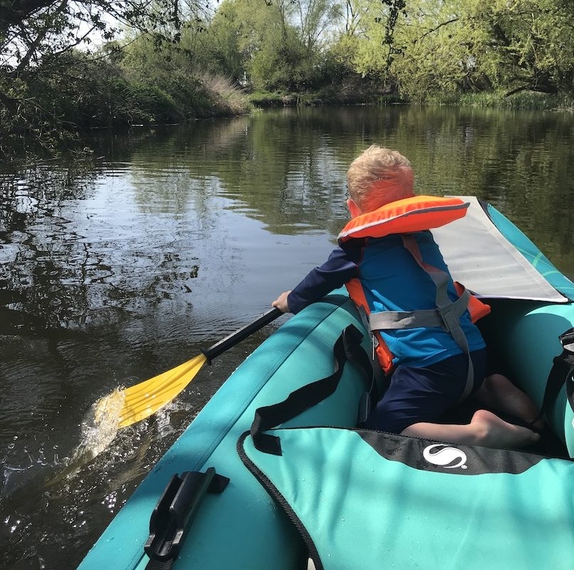 How to go canoeing with toddlers