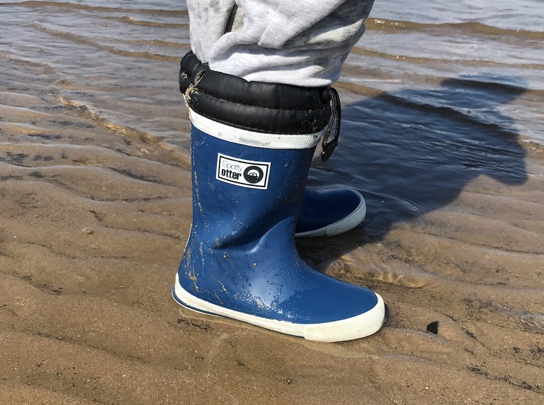 Best kids waterproof shoes and boots | 2021