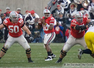 Doug_Datish_Troy_Smith_Steve_Rehring_Ohio_State_Michigan_2006_The_Game_football