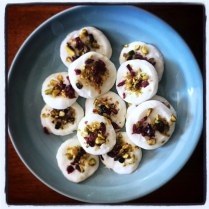 https://thepaddingtonfoodie.com/2014/12/22/eat-fast-and-live-longer-a-5-2-fast-diet-recipe-idea-under-100-calories-frozen-yoghurt-drops-with-cranberries-and-pistachio/