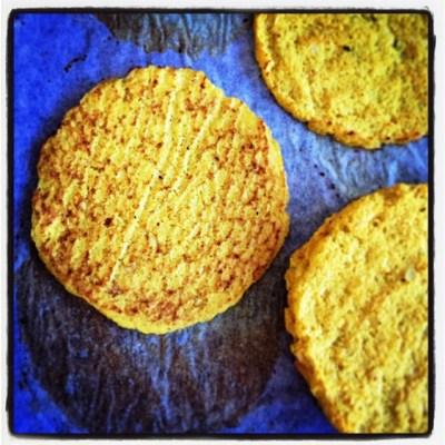 https://thepaddingtonfoodie.com/2015/03/02/eat-fast-and-live-longer-a-5-2-fast-diet-recipe-idea-under-100-calories-soft-cauliflower-tortillas/