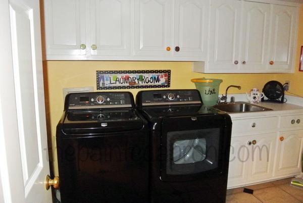 laundry room thepaintedapron.com