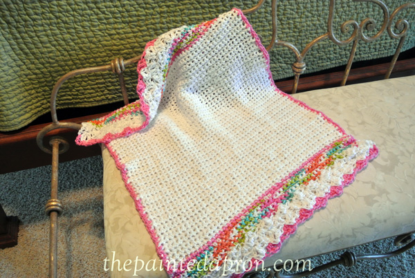 lacey crochet blanket 1 thepaintedapron.com