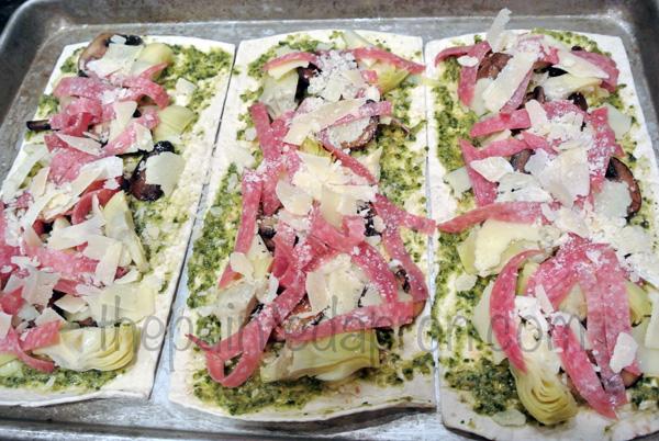 antipasto flatbread thepaintedapron.com