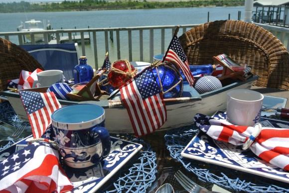 patriotic table thepaintedapron.com