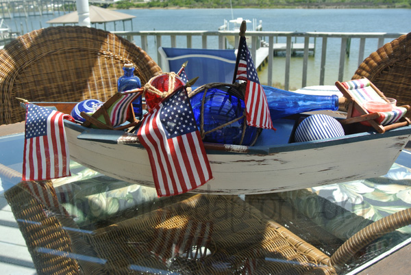 red white and blue table 6 thepaintedapron.com