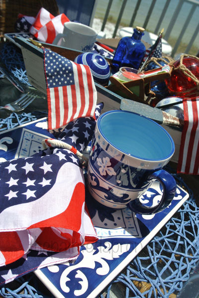 red, white and blue table thepaintedapron.com 2