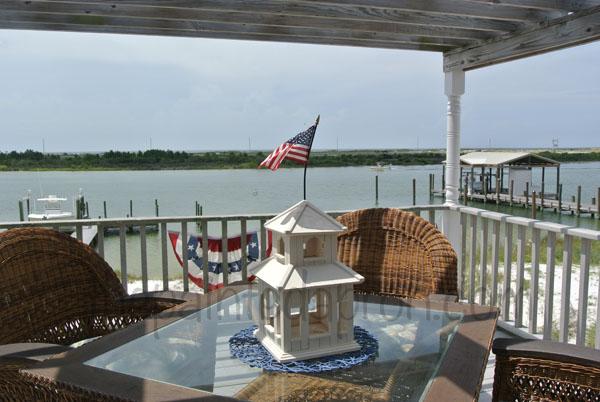 flag house thepaintedapron.com