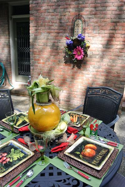 patio table thepaintedapron.com