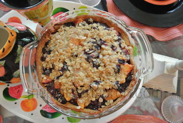 peachy blueberry pie thepaintedapron.com