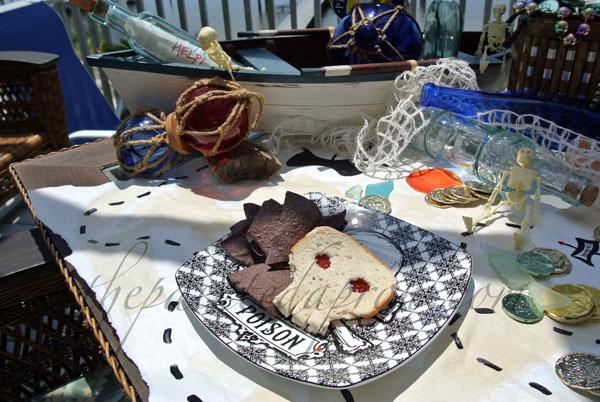 pirate table 5 thepaintedapron.com