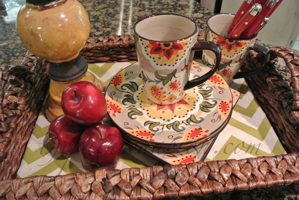 apples and plates thepaintedapron.com