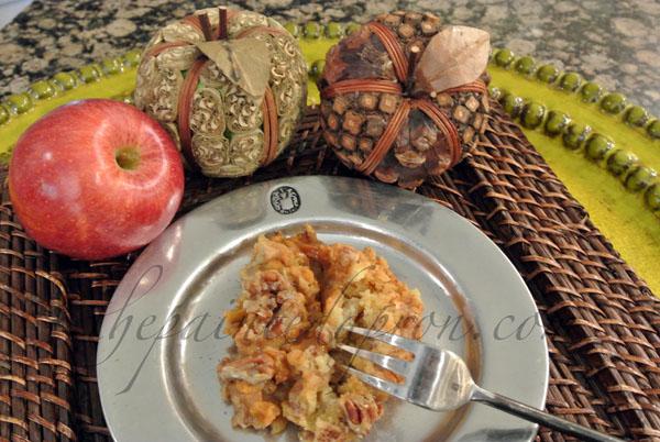 caramel apple cake thepaintedapron.com