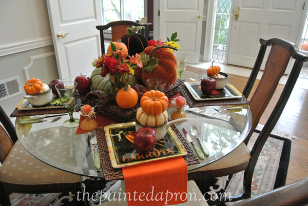 apples and pumpkins table thepaintedapron.com