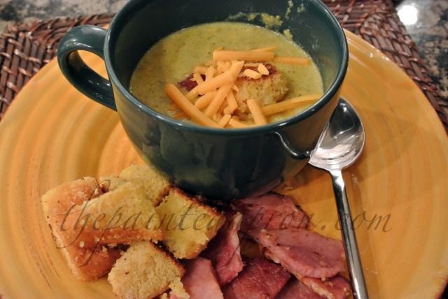 broccoli soup w:cornbread croutons thepaintedapron.com