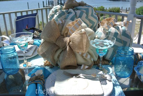 burlap pumpkin table thepaintedapron.com