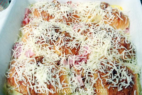 croissant casserole thepaintedapron.com