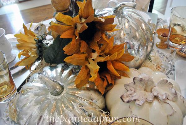 fall centerpiece thepaintedapron.com