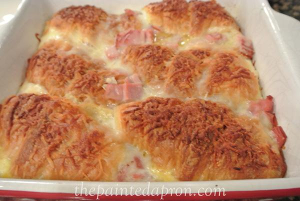 ham croissant brunch casserole thepaintedapron.com