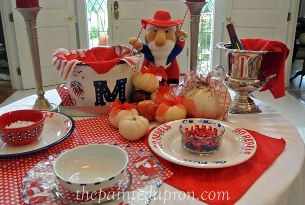 Ole Miss table thepaintedapron.com
