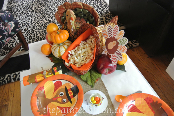 children's turkey table thepaintedapron.com