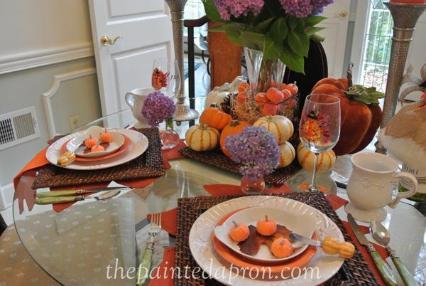 pumpkins and hydrangeas 5 thepaintedapron.com
