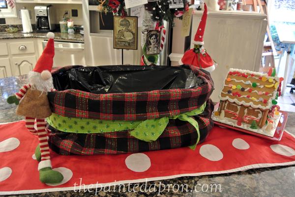 Christmas drink tub 3 thepaintedapron.com