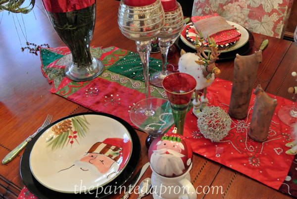 Old St Nick table 2 thepaintedapron.com