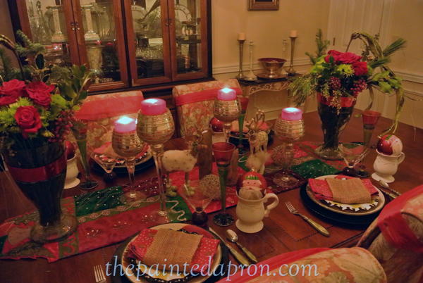 Old St Nick table 6 thepaintedapron.com