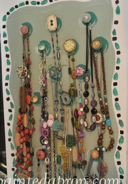 necklace organizer thepaintedapron.com