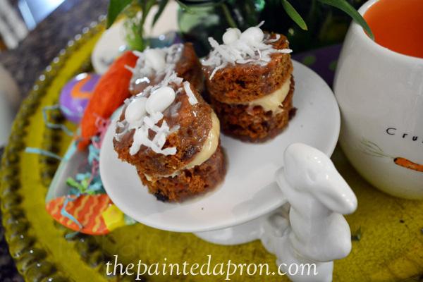 carrot cake minis thepaintedapron.com