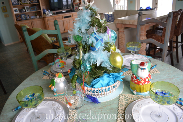 beach xmas table thepaintedapron.com