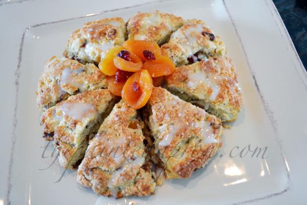 cranberry apricot scones thepaintedapron.com