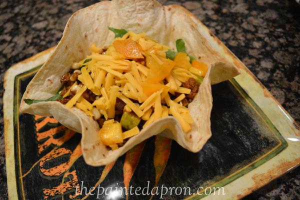 taco salad thepaintedapron.com