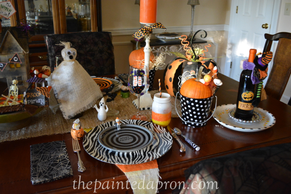 Halloween place setting thepaintedapron.com