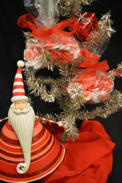 xmas favor tree 2 thepaintedapron.com