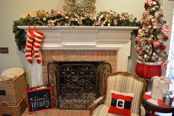 red white and black Christmas thepaintedapron.com