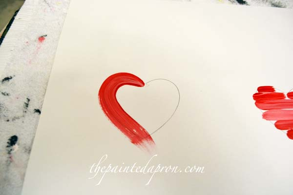 painting hearts thepaintedapron.com