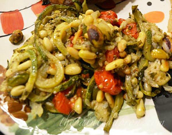 zucchini pesto with roasted tomatoes and pine nuts thepaintedapron.com