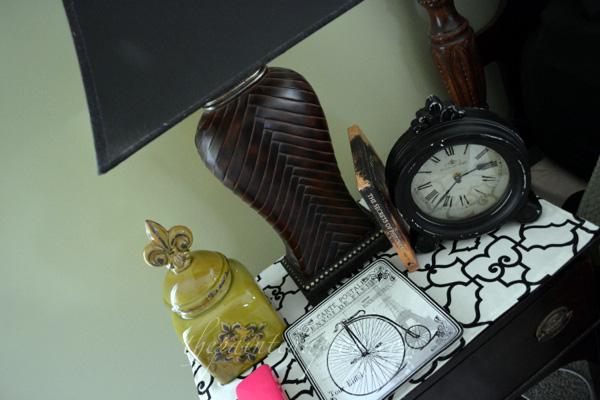 nightstand thepaintedapron.com
