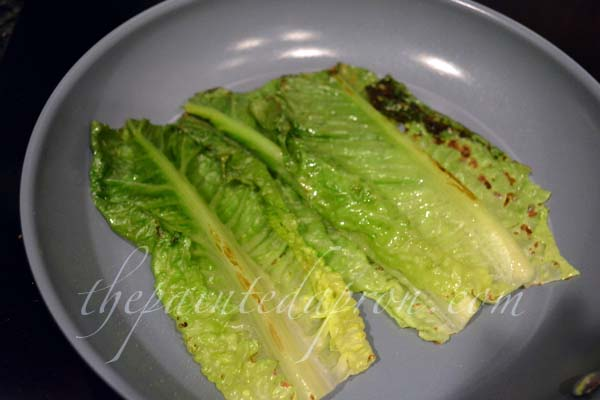 grilled romaine lettuce thepaintedapron.com