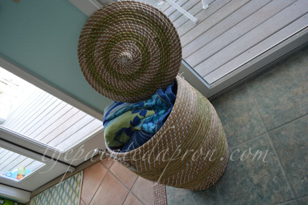 towel basket thepaintedapron.com