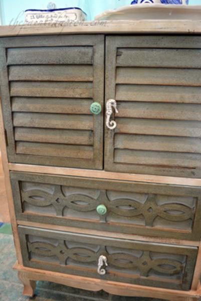 beach cabinet 1 thepaintedapron.com